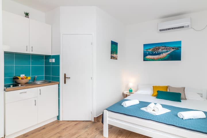 Apart. Bossa nova on best location + parking, wifi