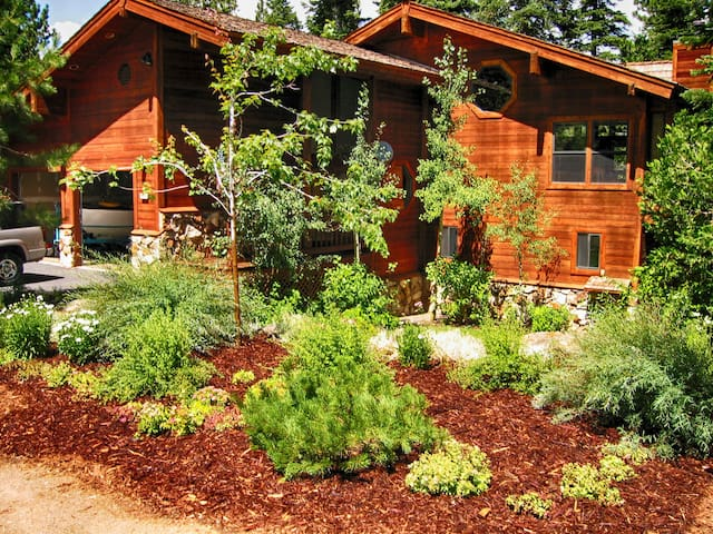 Dollar Point  2 Masters/Beach/Pool/Gourmet Kitchen - Tahoe City - House