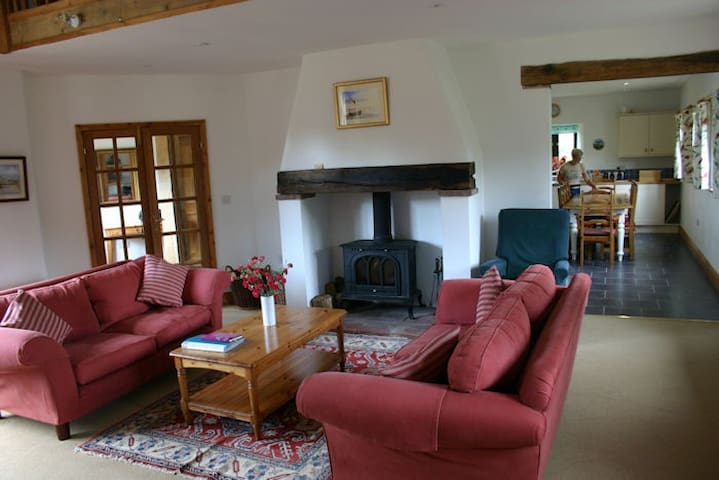 Big family / group self catering Cottage - Wickmere - Lägenhet