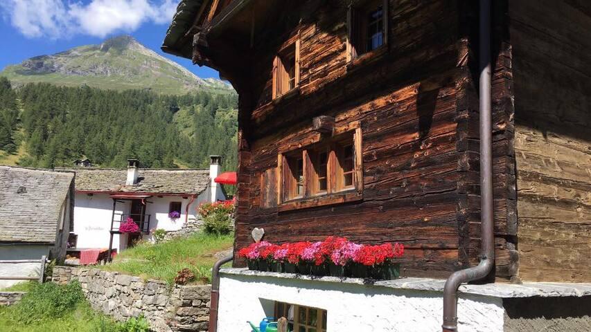 Casa del Sasso - Antico Chalet Walser