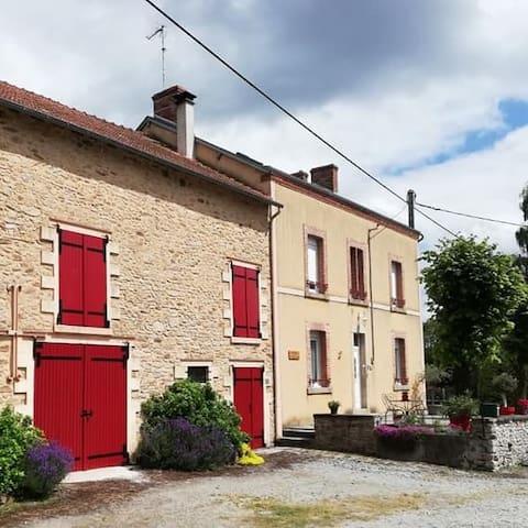 """Chambres d'Hôtes """" LE RELAIS"""""""