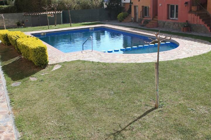 Nice house near beach with community pool-252