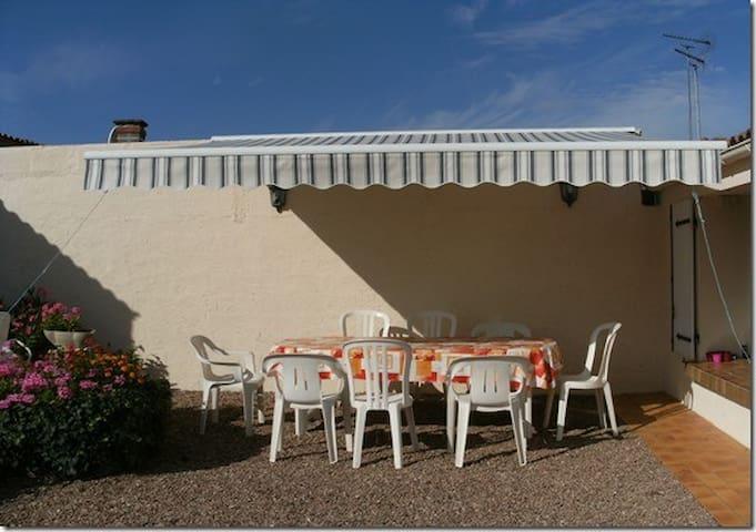 Agréable Maison de Vacances - MAIS 005 - L'Aiguillon-sur-Mer - Hus