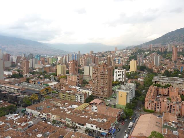 Excelente habitación muy bien ubicada y nueva - Medellín - อพาร์ทเมนท์