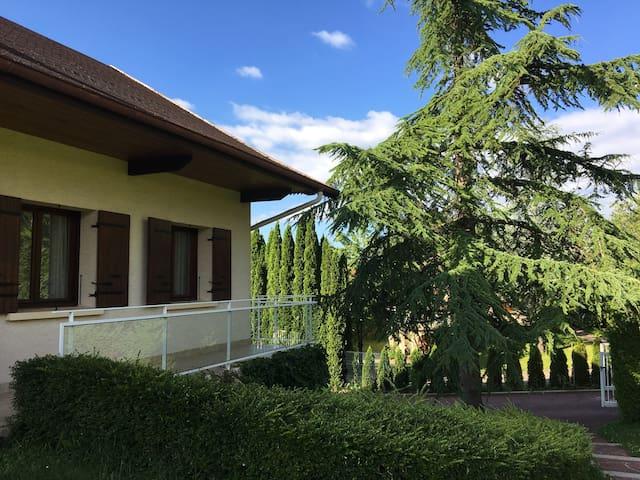 Maison calme sur les hauteurs d'Oyonnax