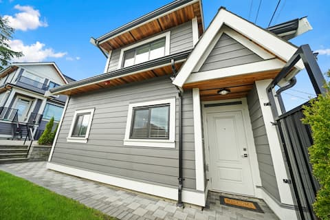 Bright & Modern Arbutus Guesthouse - Mins to UBC!