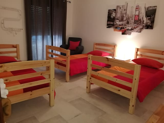 TRIPLE ROOM - CITY CENTER, WC, wifi, AC (CM)