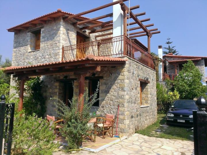 Temeni-villa 30m from beach