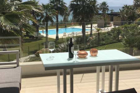 Modern new frontline beach appartment - Estepona