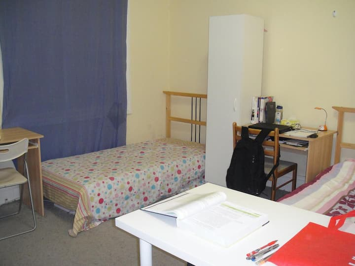 roomdouble-bed2