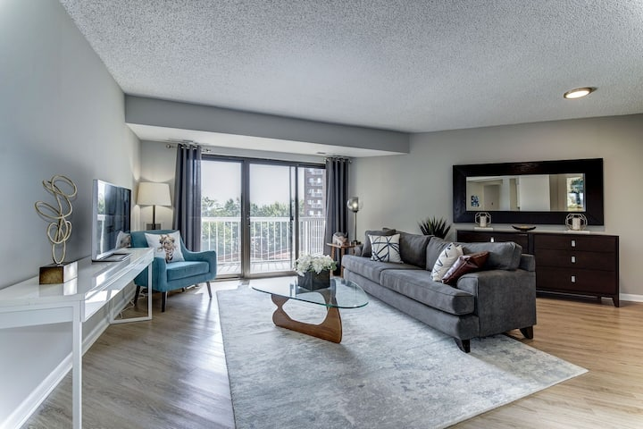 Homey place just for you | 2BR in Alexandria