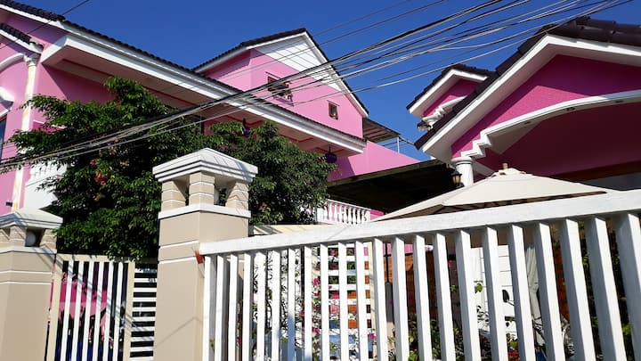 Pink House Private Standar Double bed room