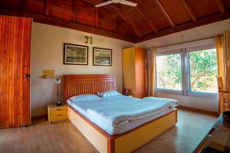 Seclude Palampur - Author's Room - Palampur
