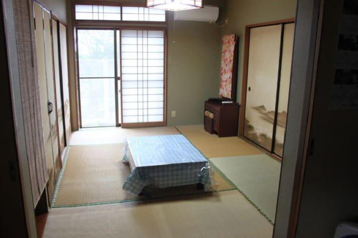 渚のゲストハウス「奄美ロングビーチ」 和室6畳 103号室