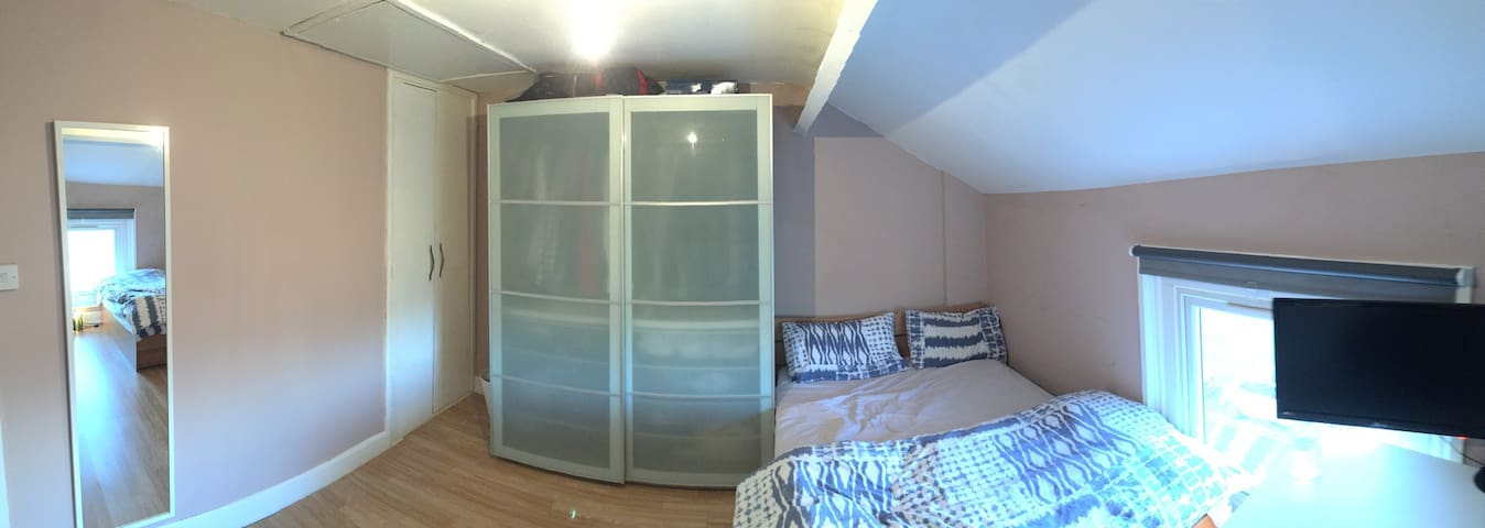 Clean Big Double Room In Centre - Northwich - Rumah