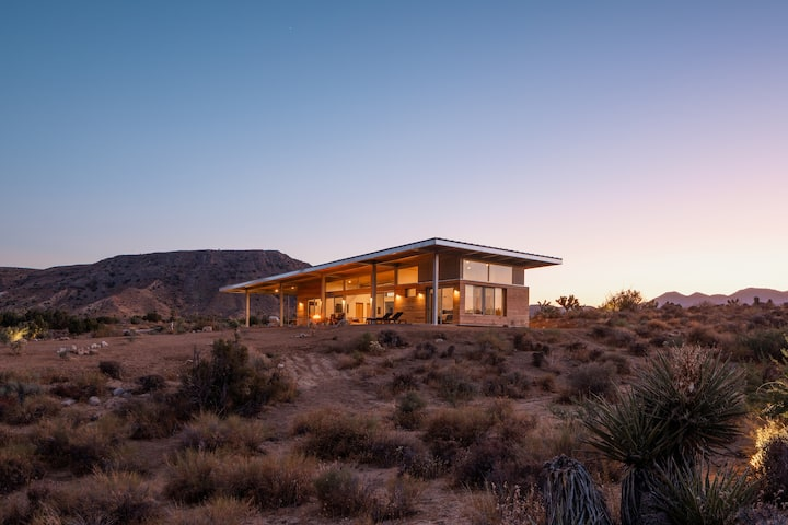 Hawk & Mesa - Private Modern Retreat on 120 Acres!