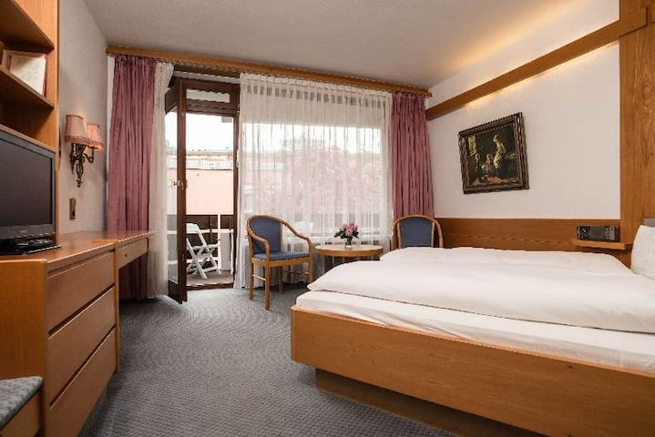 Kronen Hotel, (Bad Liebenzell), Doppelzimmer Comfort mit Dusche und WC