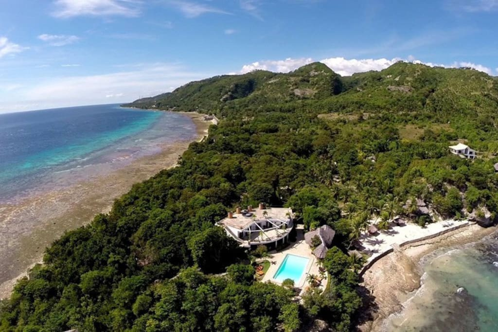 Situated on a private peninsula Granada Beach Resort offers stunning ocean views and a private beach!