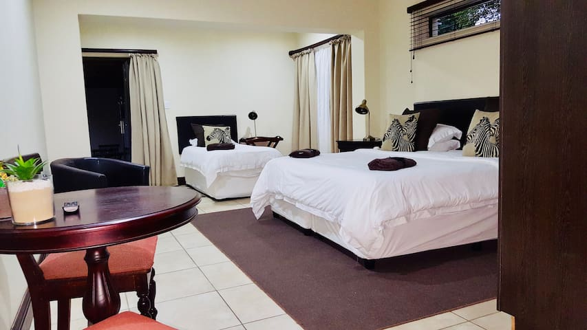 Onse Khaya Lodging & Conferencing - Family Room