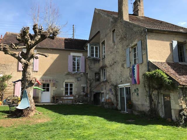 Jolie maison en Bourgogne - Clamecy - บ้าน