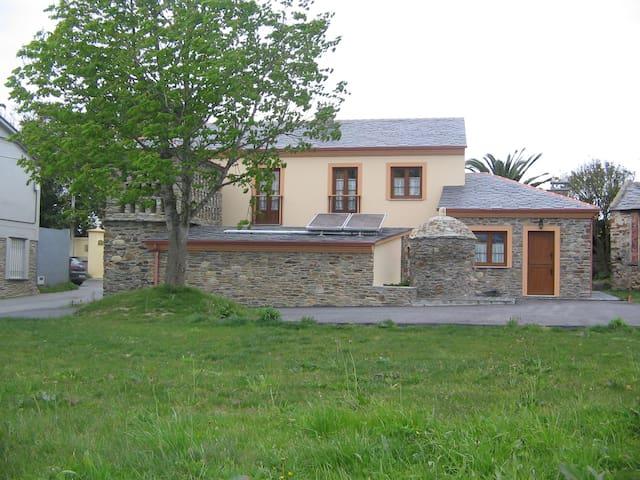 Apartamentos Rurales El Cipres adosados - Castropol - Daire