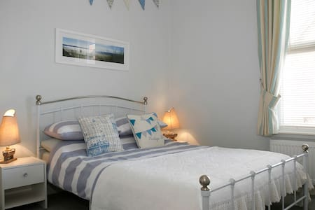 BEACH HUT APARTMENT - Llandudno