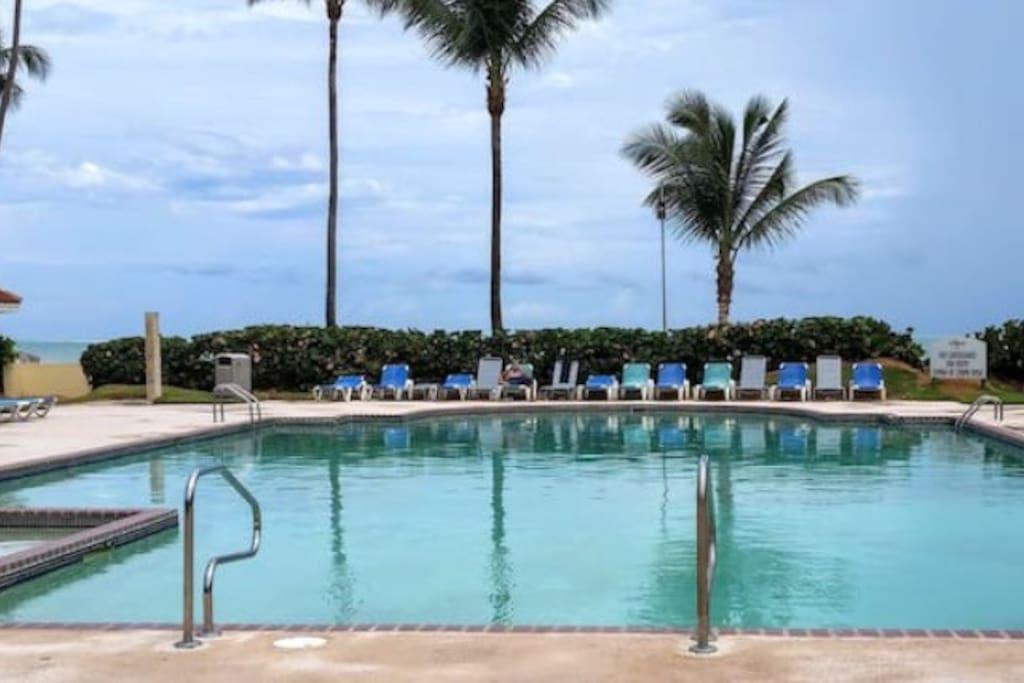 Pool - Beach area (5 min walking)