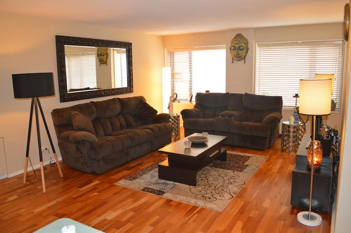Near US Bank Stadium - Available for Superbowl