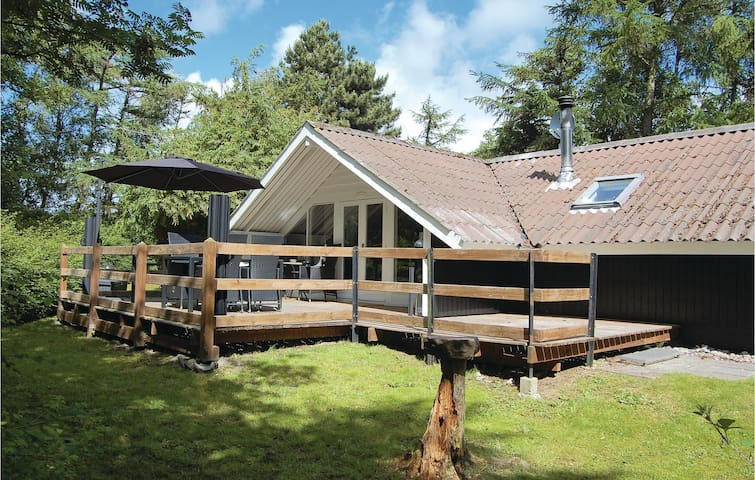 Holiday cottage with 2 bedrooms on 66m² in Humble
