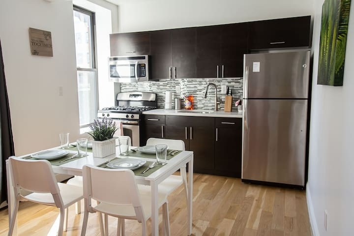 AMAZING 2 BEDS IN MEATPACKING/CHELSEA MARKET!!