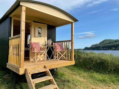 'NEW' The Secret Shepherd's Hut, Loch Ken