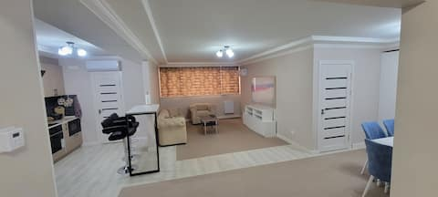Spacious apartment in the very center of Tashkent.  Beautiful view.  There are many restaurants and cafes around.  Equipped with everything you need to make your stay unforgettable.  It is close to the famous tourist spots and attractions of the city