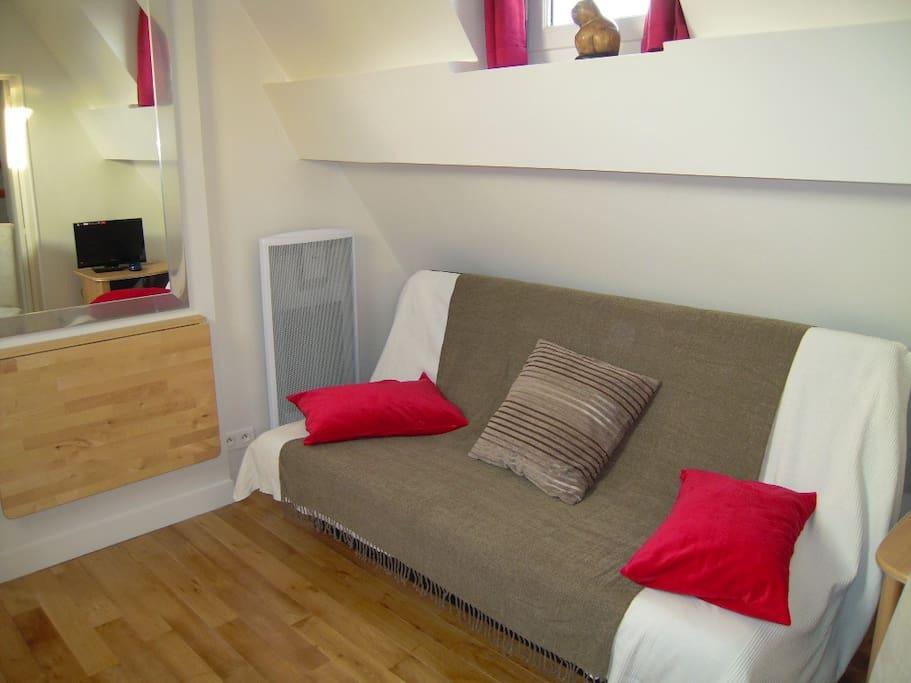 Salon Canapé lit pour 2 personnes.