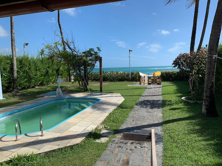 Casa linda beira mar, frente das piscinas naturais
