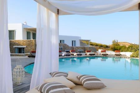 blueground villa, priv pool, 16pers - Kalafati - Villa