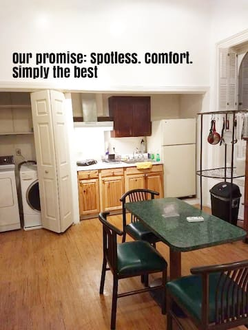 Spacious Upscale Guest Apt at Wow Mechcsburg House