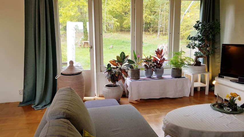 Cozy house in beautiful Edsviken!