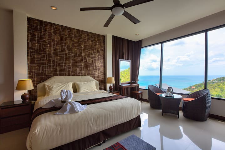 3 Bed/3 Bath Sea View House with 2 shared pools