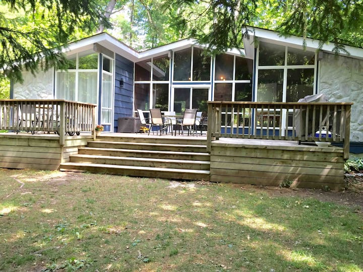 Chalet in Southcott Pines