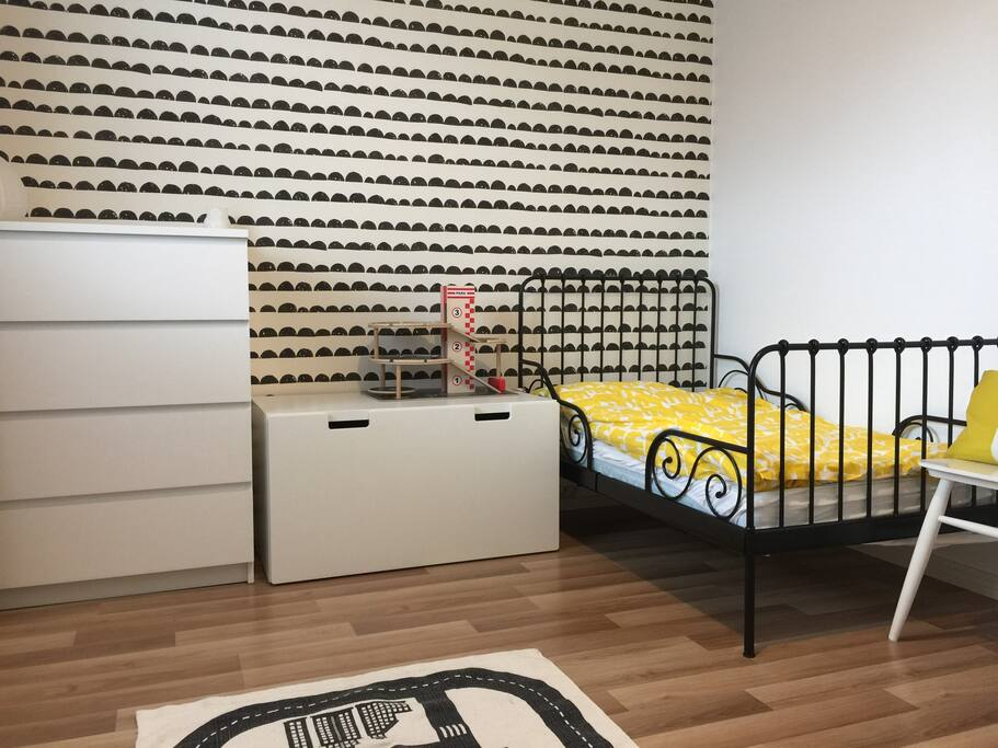 Children's room with a single bed which can be used for an adult too (80x200)