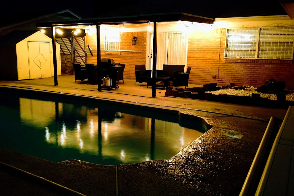Patio/Pool (night mode)