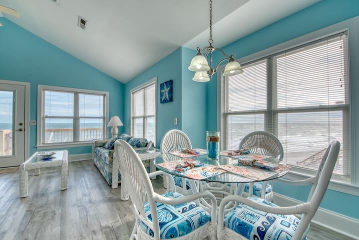 The Coral Reef  Oceanfront 4 bedroom 3 1/2 bath