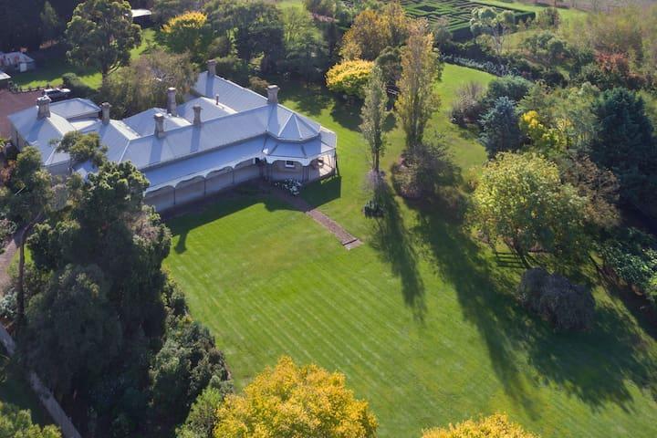 19th century house with huge garden #blauveltpark