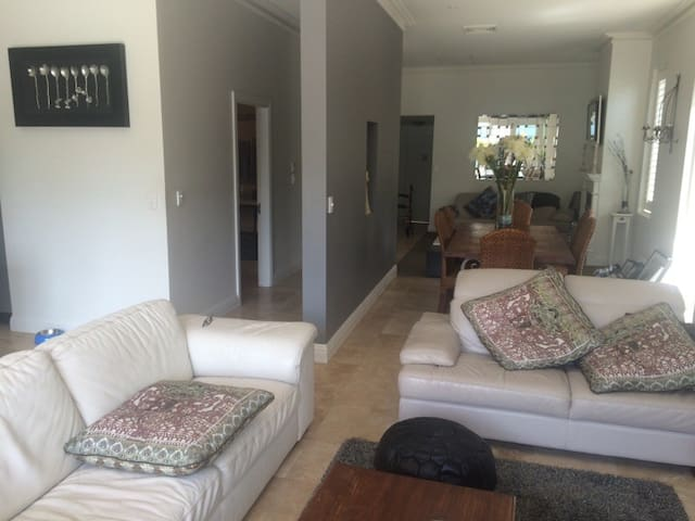 One level, open plan easy living. - Pagewood