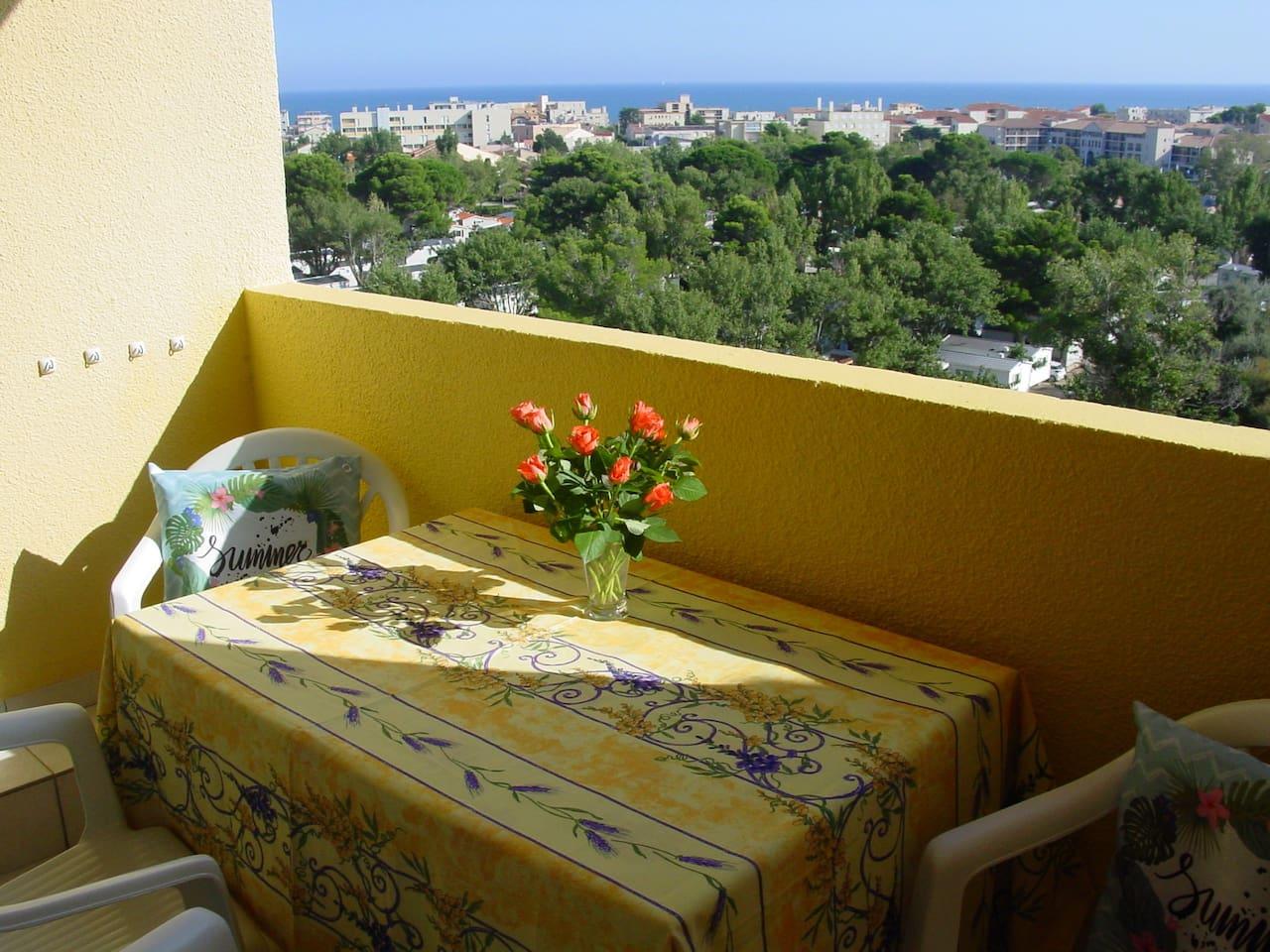 Vanaf het balkon genieten van een Panorama Uitzicht op de Middellandse Zee