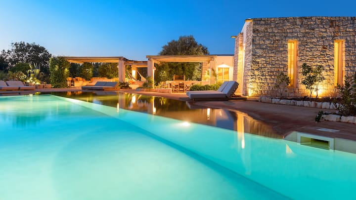 Luxury Villa for 6 people with salt pool
