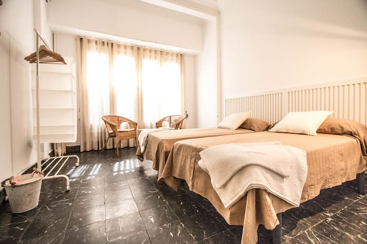 H3- Double room, Plaza Ayuntamiento
