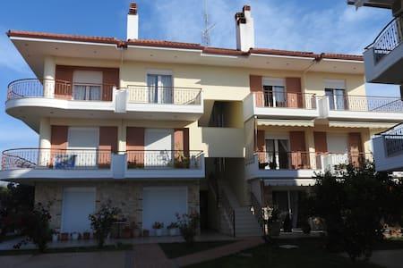 R42 Amazing apartment in wonderful complex . - Nea Plagia - Apartment