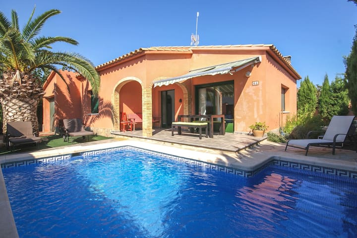Luxurious Apartment in St Pere Pescador With Private Pool