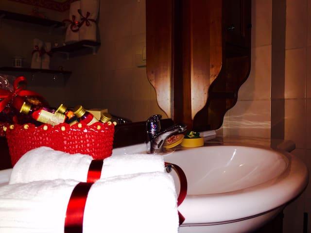 Accogliente appartamento in Siziano - Cascinetta - Bed & Breakfast